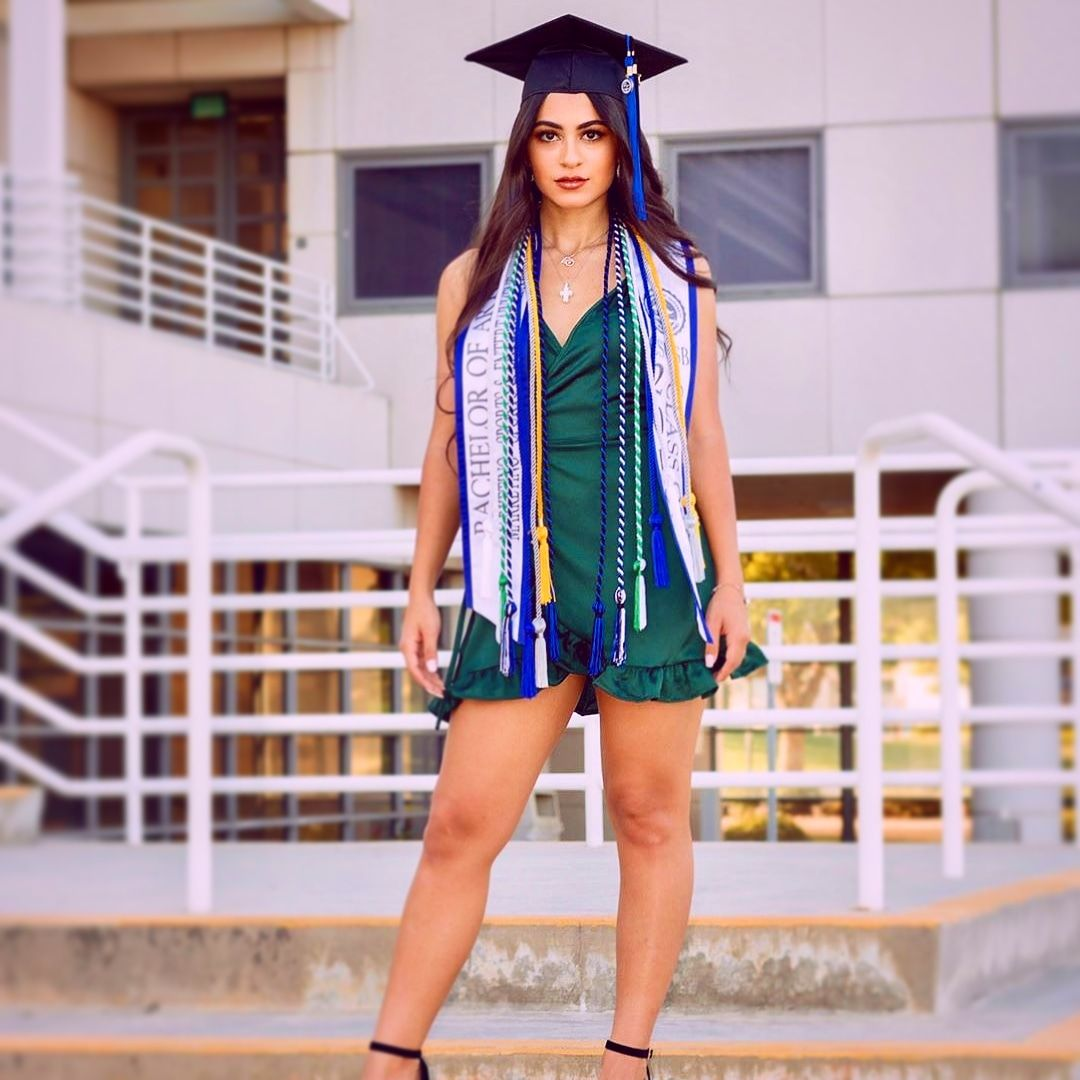 How To Take Beautiful Graduation Photos On A Budget