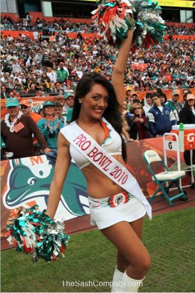 Pro Bowl 2010 Cheerleader Photo