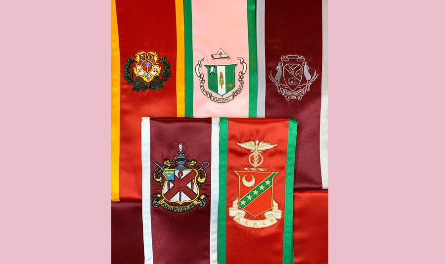 The-History-of-Graduation-Stoles-and-Sashes-900