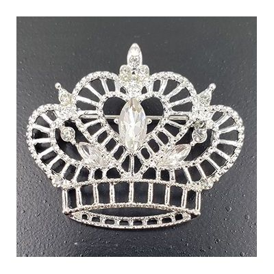 true_heart_crown_pin